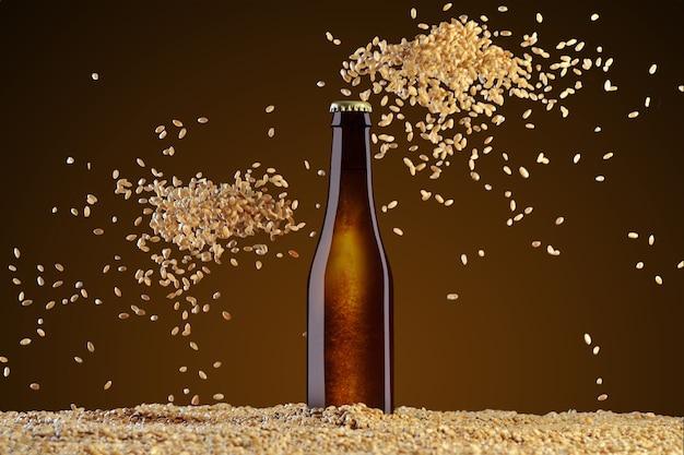 ドリンクテンプレートシリーズ。散らばる小麦の2つの山とアンバーの背景に反射する茶色のビール瓶。デザインですぐに使用できるモックアップ。