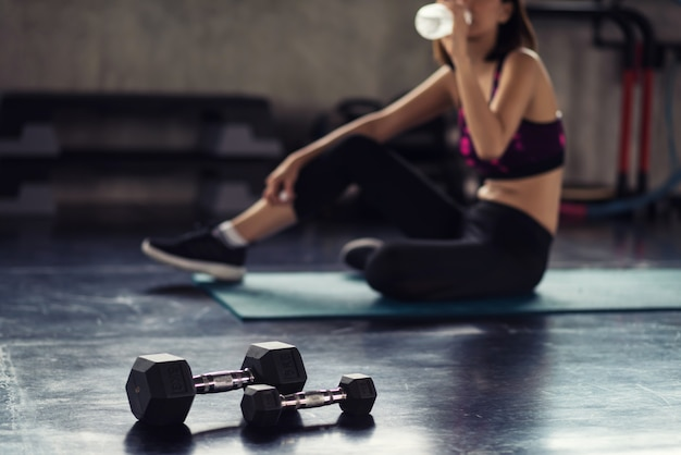 Drink water after dumbbell muscle exercise