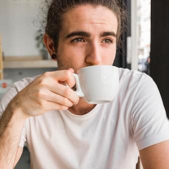 お茶を飲むこと