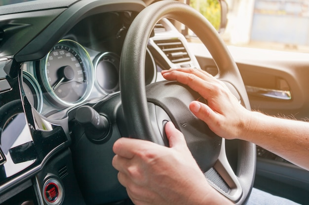 Driving safety,  using a horn