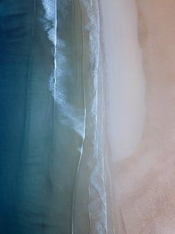 스코틀랜드 해안의 드론 샷