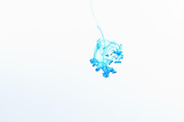 水にインクの色を落とし、背景色、煙の質感