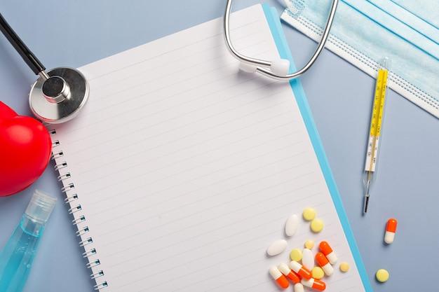 치료 약물에 대한 약물 처방.