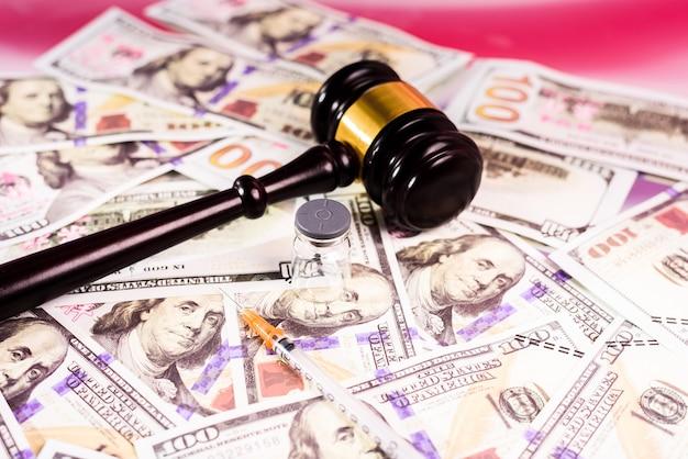Употребление наркотиков в соединенных штатах карается правосудием и штрафами в размере многих долларов.