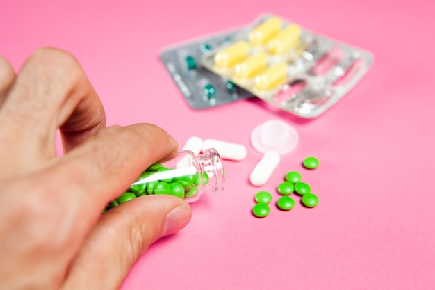 ピンクの薬