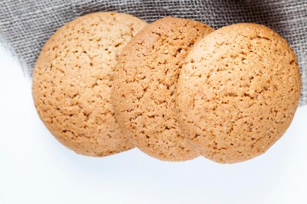 건조하고 바삭 바삭한 쿠키