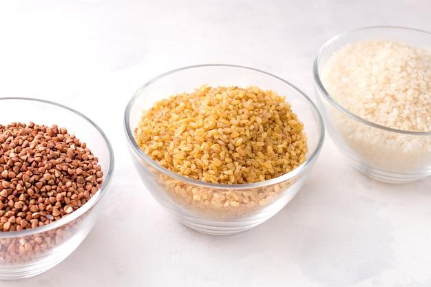 乾燥シリアルブルガーソバと白ご飯