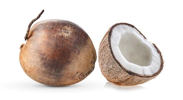 Сухой кокос изолирован