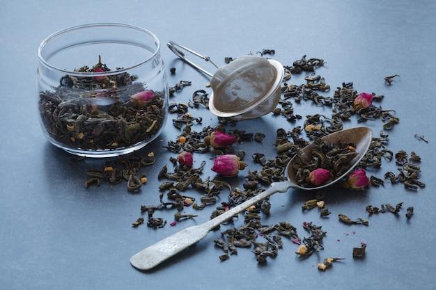Сухой зеленый чай с розой и ситом