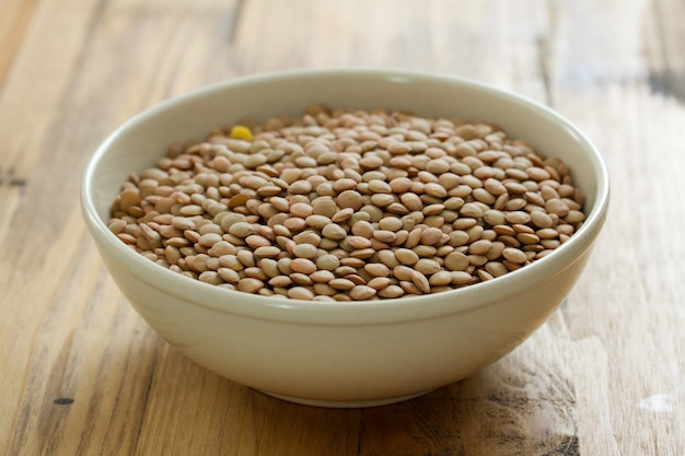 Dry lentil in bowl