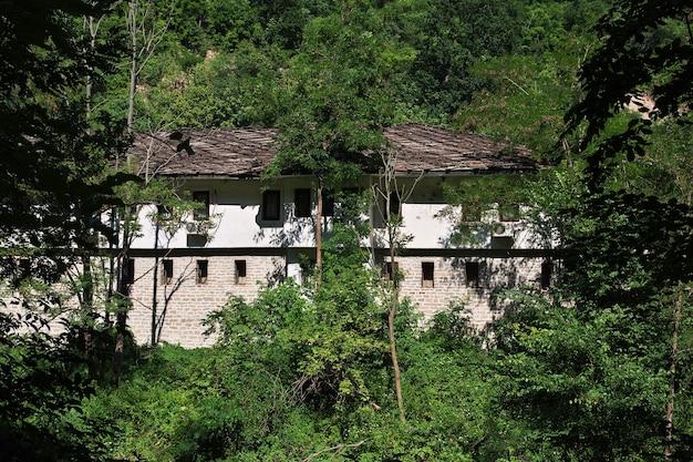 ドリャノヴォはブルガリアの古代修道院です