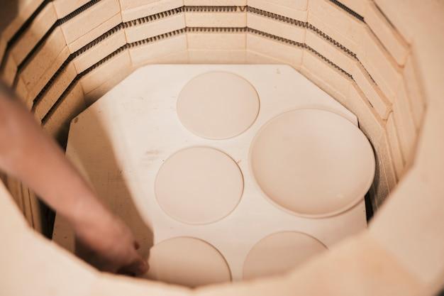 Процесс сушки в конце формовки перед неглазурованной