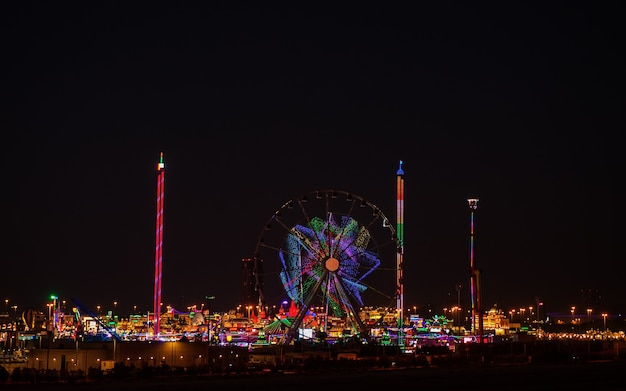 Dubai, uae - janyary 11, 2021 picture of fair global village in the night view
