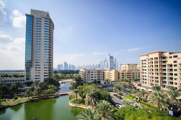 두바이, 아랍 에미레이트-fabruary 04 두바이 fabruary 04, 2021의 greens 커뮤니티