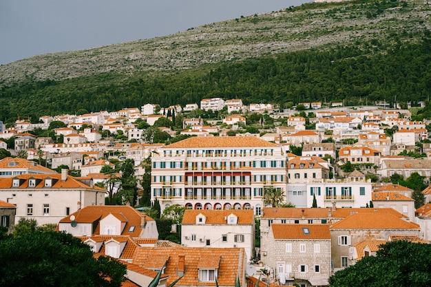 ドブロブニク クロアチア ヒルトン インペリアル ホテル ドブロブニク市のモダンな側にあるホテル