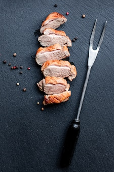 오리 가슴살 튀긴 고기 가금류 바베큐 그릴 준비 부분
