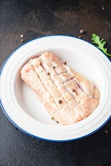 テーブルの上の鴨胸肉生肉鶏肉新鮮な食事スナックコピースペース食品背景素朴な
