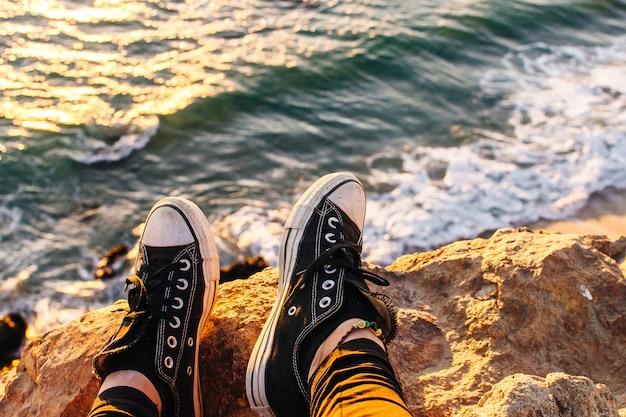 崖に囲まれた非常に楽園のビーチにあるデュムコーブマリブ、ズマビーチ、エメラルドとブルーの水