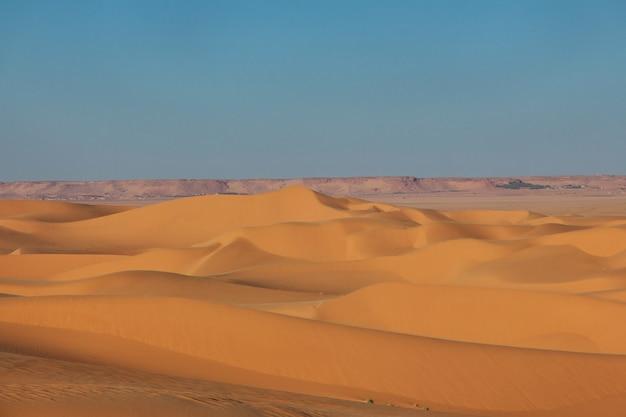 Dunes of sand in sahara desert, algeria