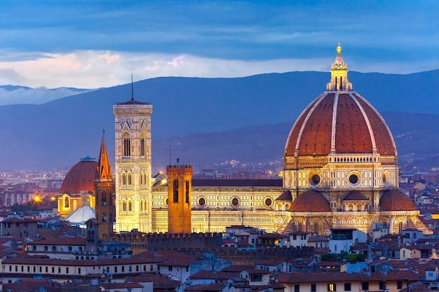 イタリア、フィレンツェのサンタマリアデルフィオーレ大聖堂