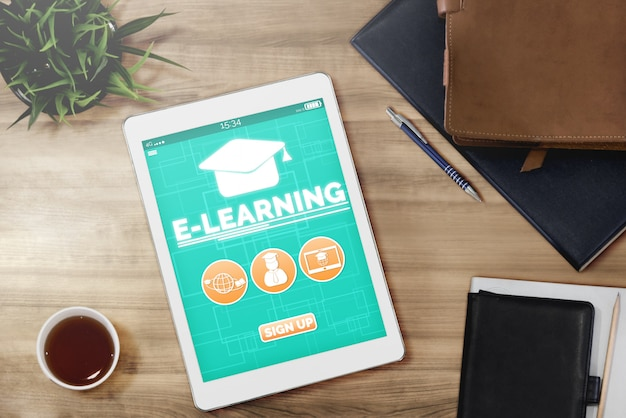 学生および大学向けのeラーニング