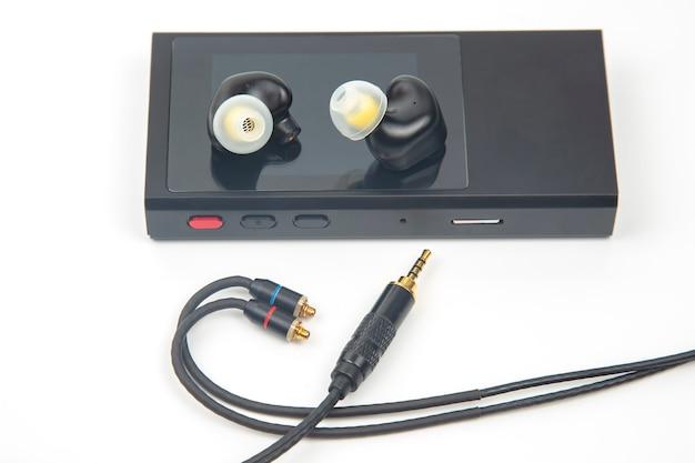 In-ear headphones for hi-fi music player