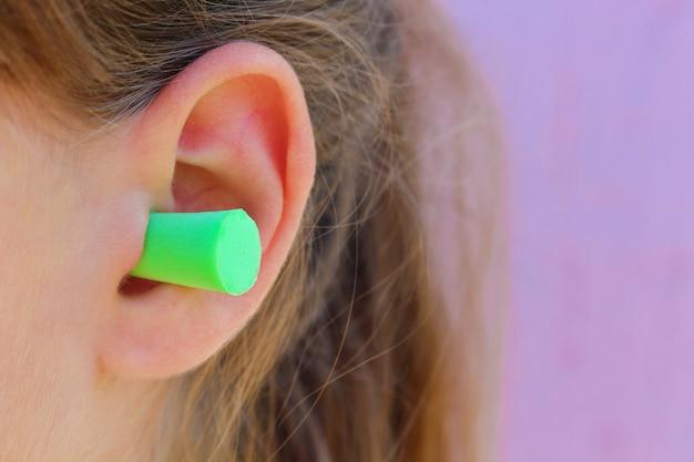 ノイズから保護するための耳栓。