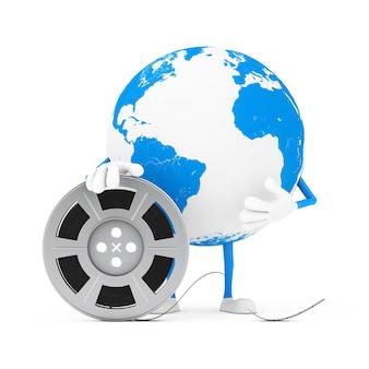 Талисман характера глобуса земли с лентой кино вьюрка фильма на белой предпосылке. 3d рендеринг