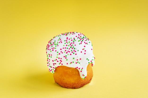 Пасхальный пирог праздник свежая выпечка сладкий десерт булочка здоровая еда