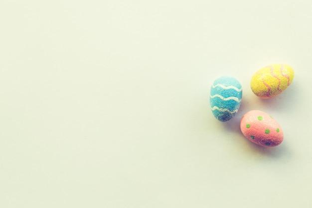 Пасхальные яйца и пастель