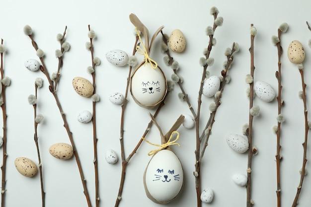 Пасхальные яйца, перепелиные яйца и серёжки