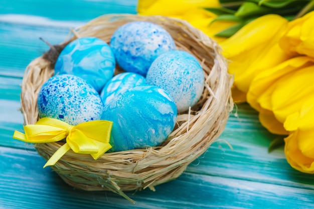 Easter eggs and tulips. festive decoration