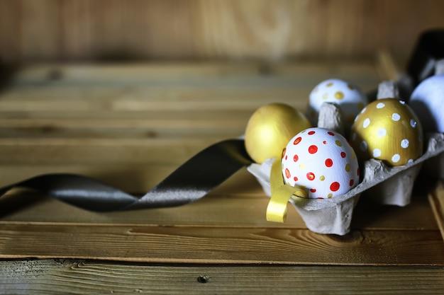 Пасха цветок яйца деревянный фон