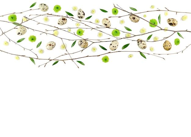 イースターの花の構成。菊の柄。フラットレイ、上面図、コピースペース