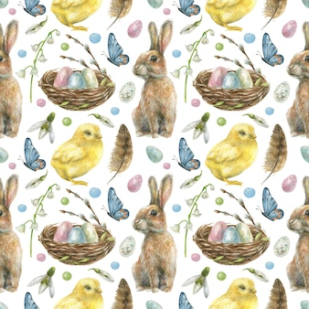 Пасхальный бесшовный фон нарисован вручную. гнездо с крашеными яйцами, кроликом, птенцом, бабочками и весенними цветами