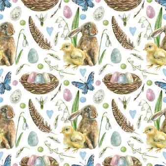 Пасхальный бесшовный фон нарисован вручную. гнездо с крашеными яйцами, кроликом, птенцом, бабочками, перьями и весенними цветами