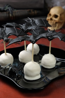 Easy cake pops в молочном шоколаде на хэллоуин