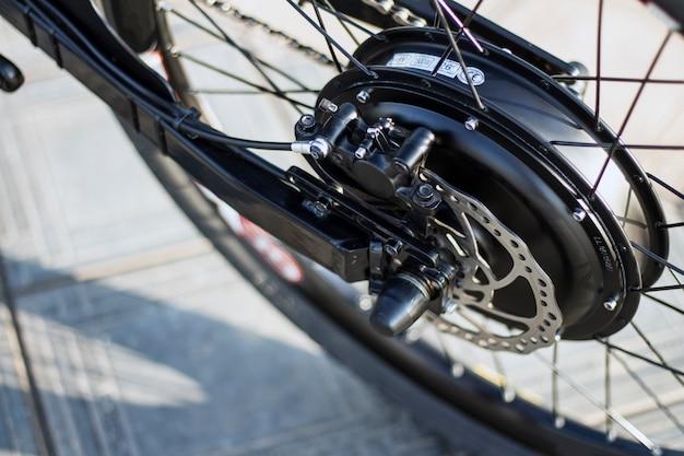 Крупным планом мотора электрический велосипед ebike велосипед