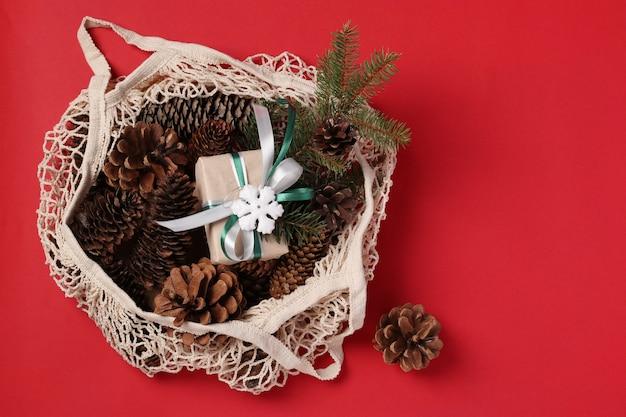 Эко сумка с шишками и подарочной коробкой