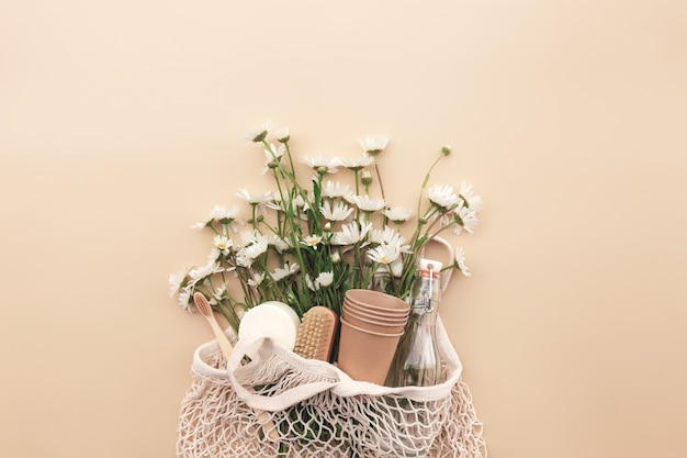 쇼핑 백 꽃 목욕 부속품을 가진 eco 친절한 베이지 색 편평한 위치