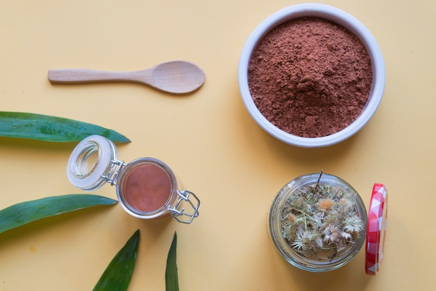 Eco friendly cosmetic red clay