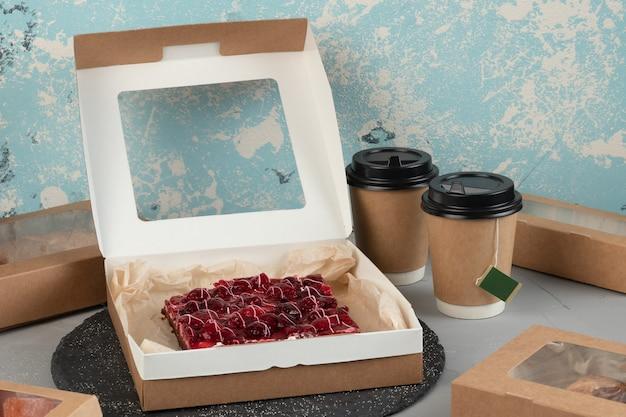 食品、飲料、配送用の環境に優しいパッケージ
