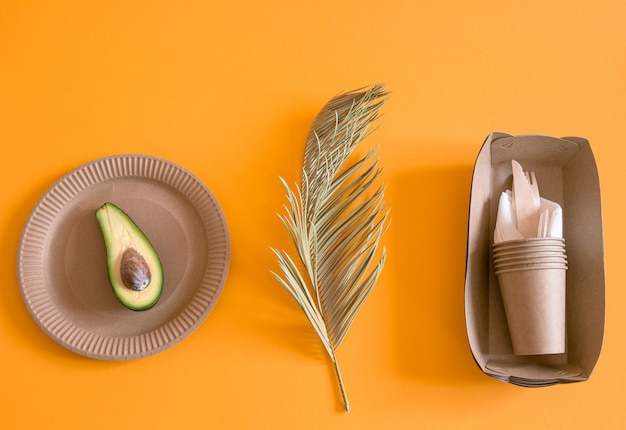 Eco-friendly, stylish recyclable paper tableware.