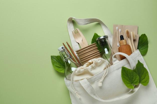 Экологичная концепция нулевых отходов на зеленом