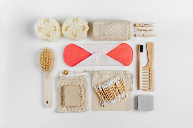 에코 천연 욕실 액세서리, 천연 화장품 및 도구. 제로 웨이스트 개념