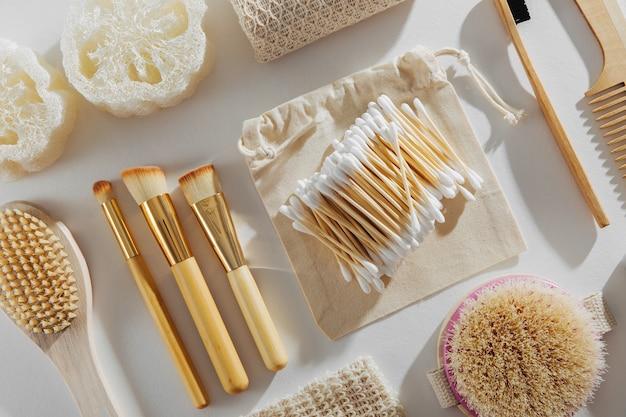에코 천연 욕실 액세서리, 천연 화장품 및 도구.