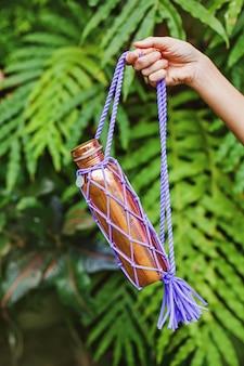 Экологичная медная бутылка в сумке