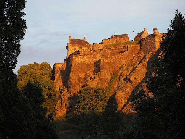Эдинбургский замок на закате