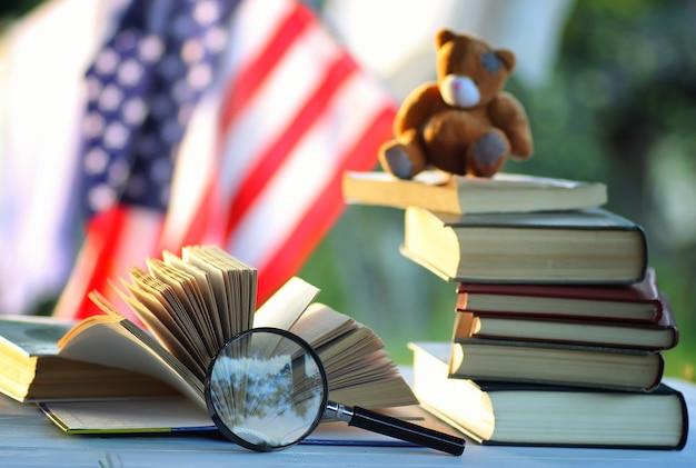 Educaion 백 학교 책 스택 페이지 야외