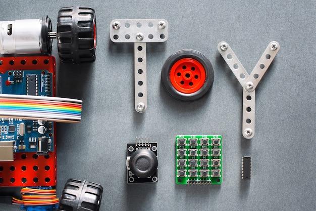 Развивающие конструкции, игрушки своими руками для взрослых и детей